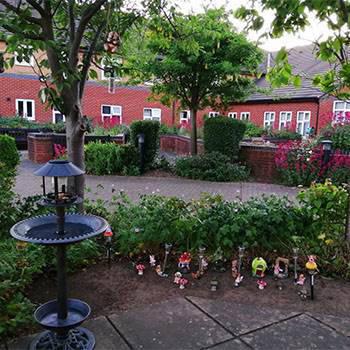sandyhurst garden