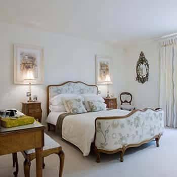 Bishopstoke-Park-bedroom-350x350.jpg
