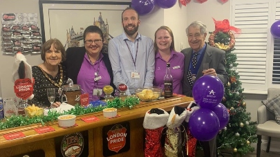 Lindwood care home switch on Christmas lights at pub opening