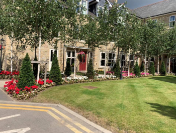 Oulton Manor care home garden
