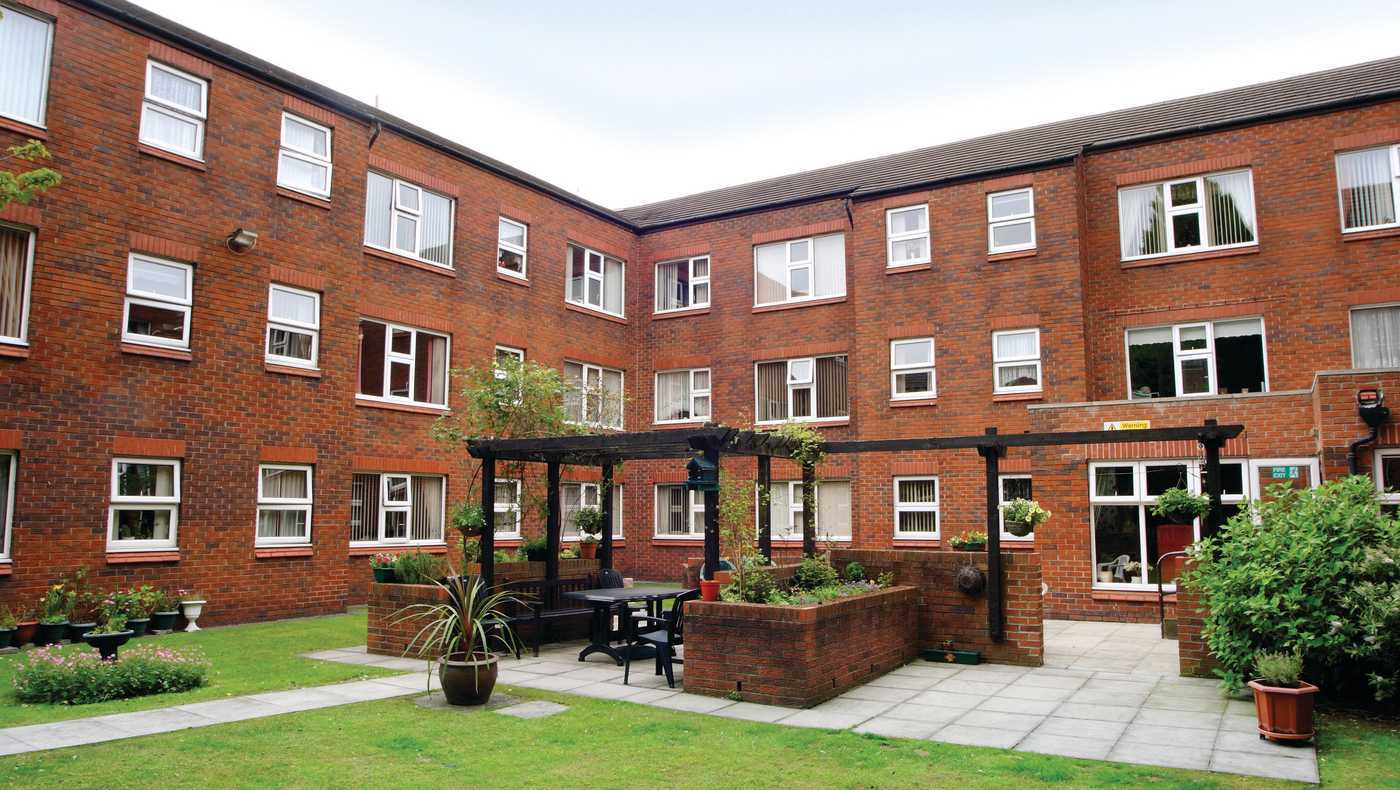 St Clements Court