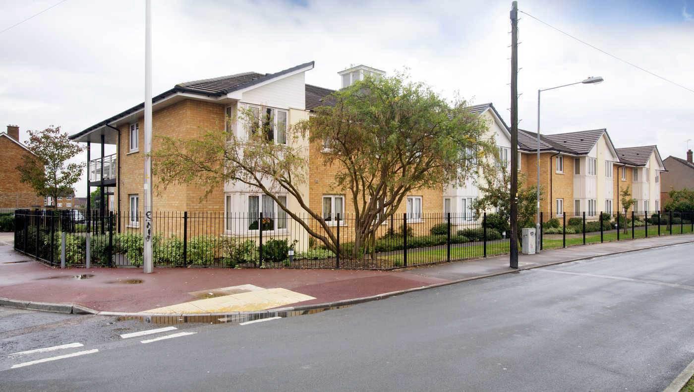 Colin Pond Court