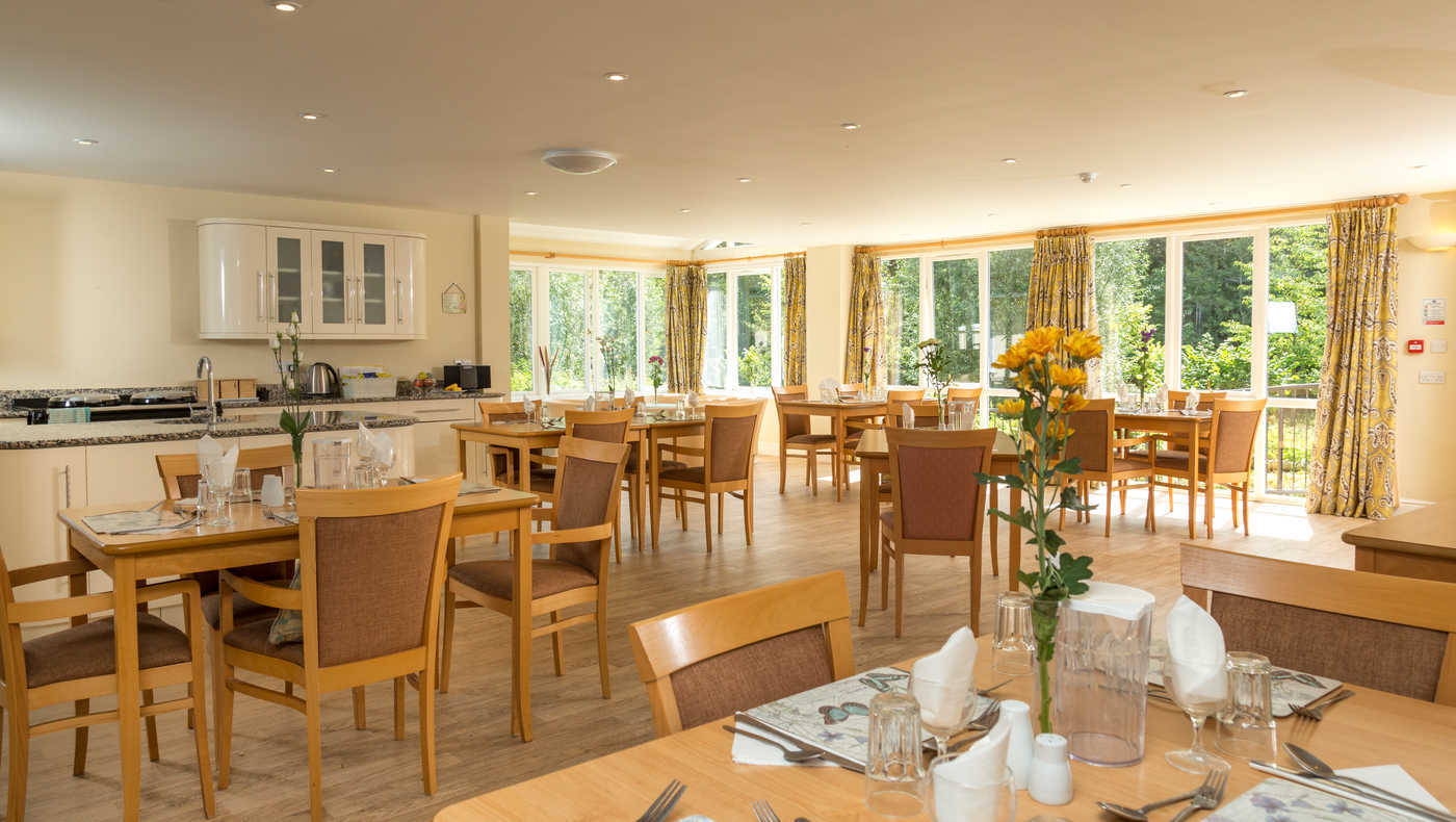 Devonshire House - Dining