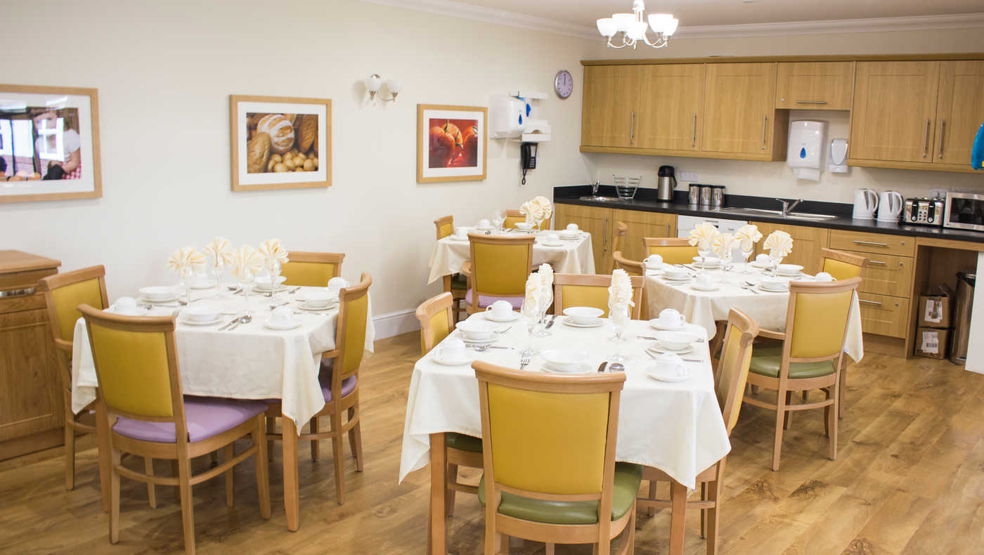 Maple Tree Court - Dining