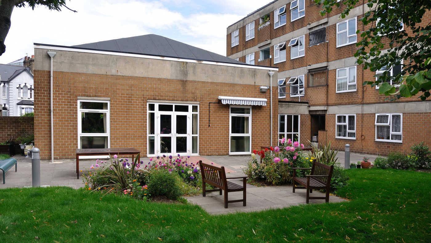 Appleton Court