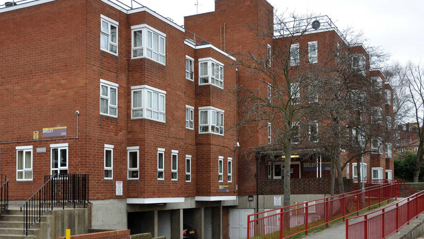 Aveley Court