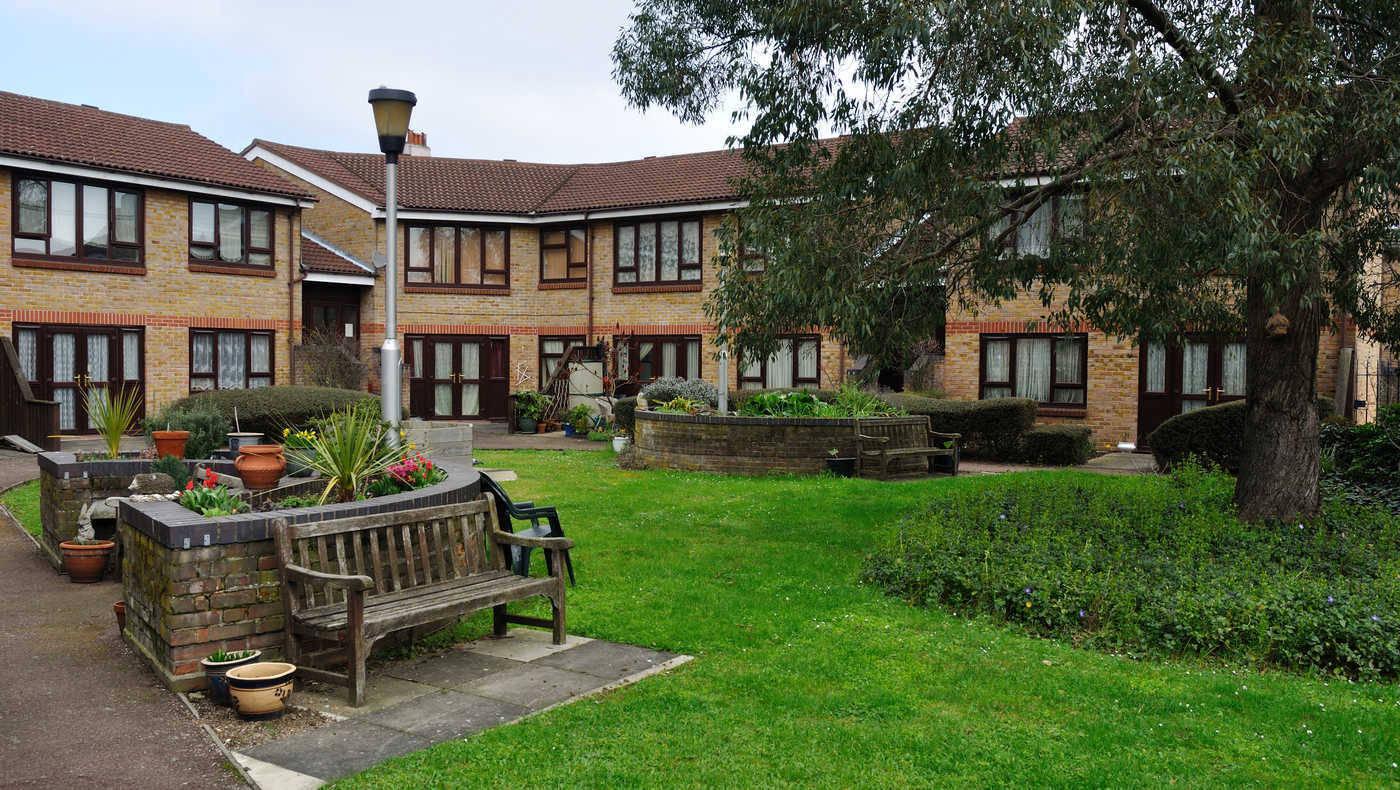 Robert Owen Lodge